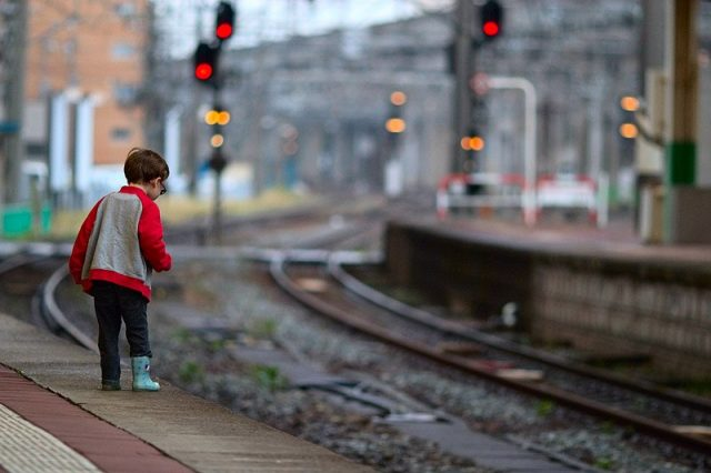 На железной дороге по 7 сентября проходит акция «Дети и безопасность».